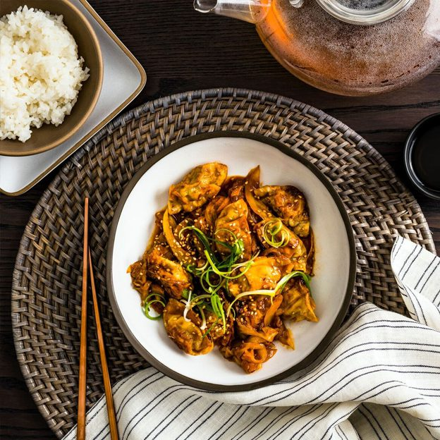 Bibigo Chicken & Cilantro Mini Wontons With Dukbokki Sauce Image